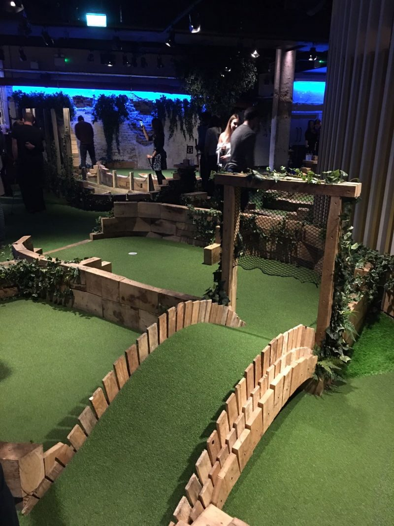 Swingers crazy golf club london